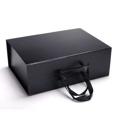 Folding Garment Packaging Boxes Custom Clothing Boxes Eco Friendly with ribbon handle